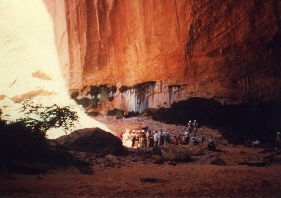 inside music temple glen canyon 1959 photo by charlie kreischer