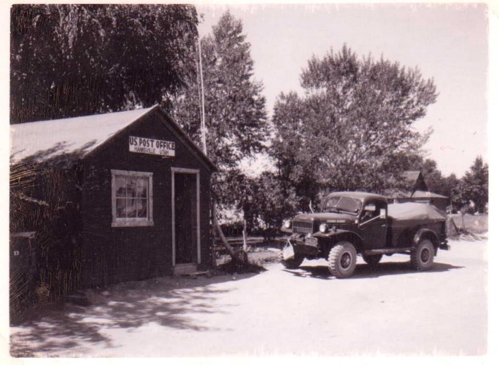 The Hanksville US Post Office.