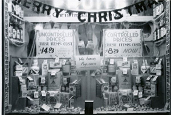 CHRISTMAS 1941... Just after Pearl Harbor. Price controls were already in effect.