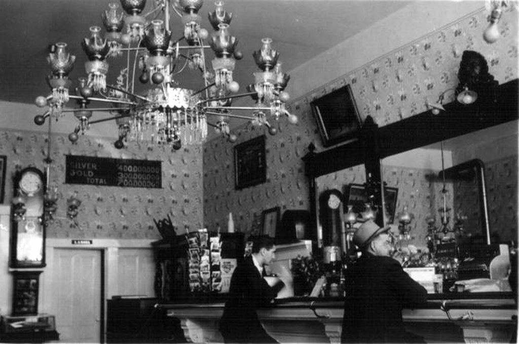 Interior Crystal Bar. 1941. Photo by Herb Ringer
