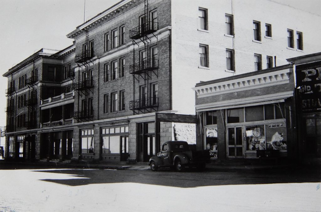 Herb Ringer image of Goldfield Hotel in the 40s