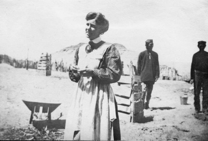 Louisa Wetherill, age 31, and some Navajo friends.